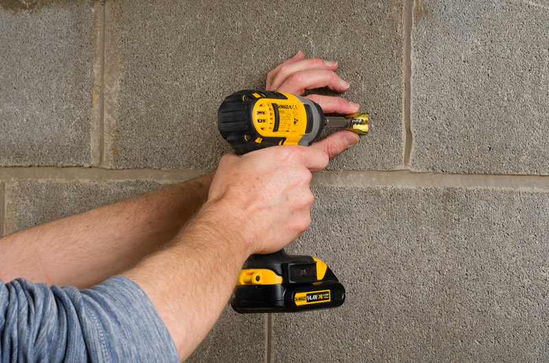 DeWALT-Safe-D-Masonry-Screw-Fixing
